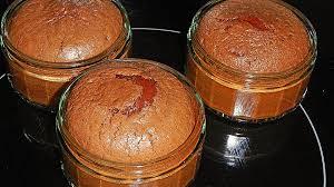 schokosoufflee mit flüssigem oder festen kern