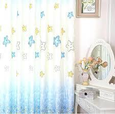 rideaux chambre bebe rideau chambre garaon bleu rideau chambre enfant pour un beau look