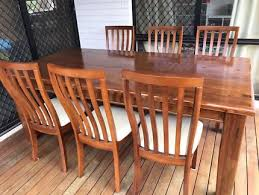 Timber Dining Table With Six Leather Chair In Excellent Condition