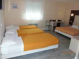 chambre d hotel pour 5 personnes chambre pour 4 personnes photo de l azur hotel restaurant