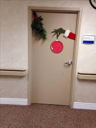 Christmas Office Door Decorating Ideas Contest by 25 Unique Office Christmas Decorations Ideas On Pinterest Diy