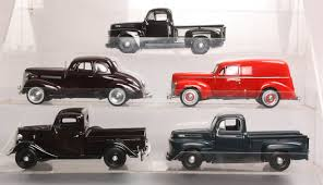 Buy Die Cast 1:24 Scale 1930's - 1950's Cars & Trucks (5) | Trainz ...