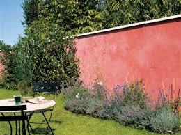 mur de separation exterieur comment habiller le mur de jardin nos idées en images mur