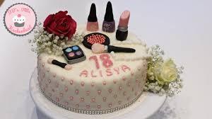 motivtorte schminke make up torte make up cake mit sahne schmand und erdbeeren dogumgünü pastasi