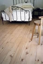 Knotty Pine Bedroom Furniture by Best 25 Pine Bedroom Ideas On Pinterest Pine Dresser Neutral