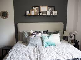 schlafzimmer wandgestaltung grun ideen tapete farbige