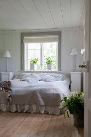 romantisches schlafzimmer im bild kaufen 12247360