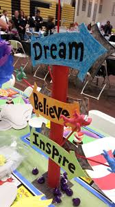 Graduation Table Decorations To Make by Best 25 Dr Seuss Decorations Ideas On Pinterest Dr Suess Dr