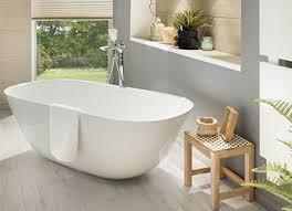 der luxus einer großen badewanne
