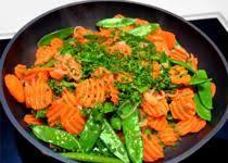 cuisiner pois mange tout pois mange tout ensoleillés d échalotes et de carottes sylvain co