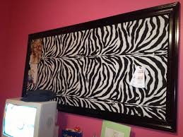 Zebra Bedroom Decor by Images About Bedrooms On Pinterest Zebra Print Bedroom Animal And