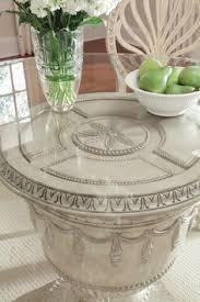 Schnadig Empire Round Pedestal Dining Table