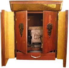 Ebay Uk China Cabinets by Dybbuk Box Legend And Rise Of Ebay U0027s U0027haunted U0027 Relics Market