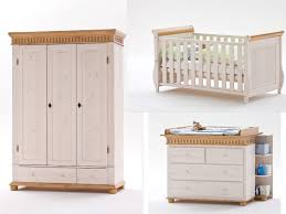 diffusion helsinki babyzimmer 4 teilig in weiß mit absetzungen antik wickelkommode mit wickelplatte babybett und 3 türiger babyschrank optional