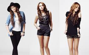 Teenage Girls Fashion Clothes Teenagers Like To Show Their Individuality And Dress In A Certain