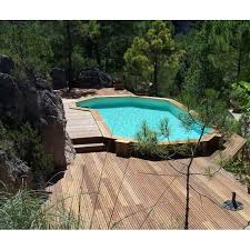 la piscine en bois semi enterrée