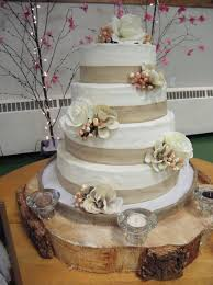 Rustic Wedding Cakes With Burlap