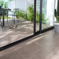 carrelage terrasse taupe 43 x 43 cm citara castorama