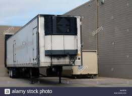 100 Truck Store Shipping Truck Trailer Parked At Receiving Door Of Business