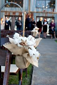 Aisle Decor Burlap For Any Couple Looking Easy Ways To Incorporate Rustic Touches Into Their Big Day Is Key Not Only The Textile Reasonable
