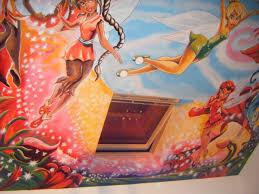 chambre fee clochette peinture murale fee clochette et ses amis decoration chambre d