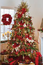 Christmas Tree Bead Garland Ideas by 82 Best Christmas Tree Inspiration Images On Pinterest Merry