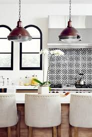 credence cuisine noir et blanc 1001 idées pour une cuisine relookée et modernisée
