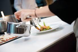 alain ducasse cours de cuisine l eclaireur accueille les cours de l ecole de cuisine d alain