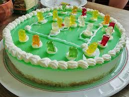 götterspeise frischkäse torte mit kekskrümeln