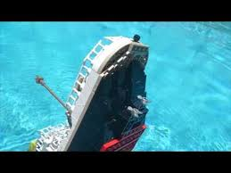 lego cobi titanic sinking recreation in my pool read
