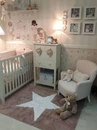 tapis de chambre bébé tapis étoiles dans la chambre de bébé mais aussi des plus grands