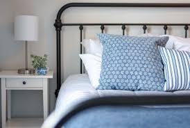 metallbett im schlafzimmer romantik pur einrichtung