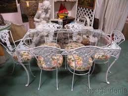 Vintage Woodard Patio Chairs by Woodard Pomegranate Table W 6 Chairs Vintage Wrought Iron Patio