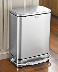 poubelle inox cuisine conseils et astuces pour choisir une poubelle de cuisine ou salle