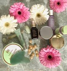 100 Flannel Flower Glass Skincare KINTSUGI Consulting