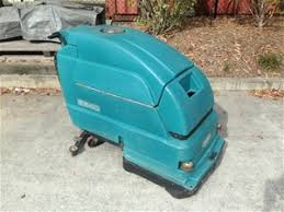 tennant 5540 self propelled floor scrubber auction 0001 7003981