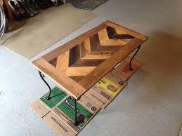 pallet wood arrow table top diy at needles and nails