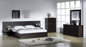 Echo Bedroom by Beverly Hills Furniture in Wenge w Options