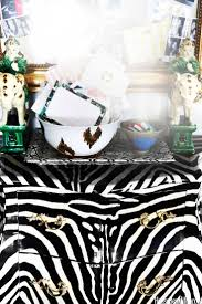 Zebra Decor For Bedroom by Best 25 Zebra Decor Ideas On Pinterest Zebra Print Bedroom