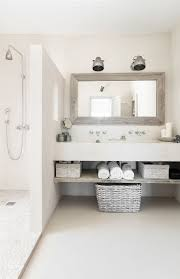 Pinterest Bathroom Ideas Small by Best 25 Small Grey Bathrooms Ideas On Pinterest Grey Bathrooms