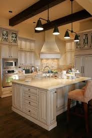 Log Cabin Kitchen Cabinet Ideas by Best 25 French Country Kitchen With Island Ideas On Pinterest
