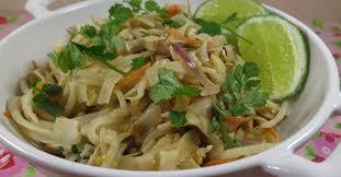 cuisine thailandaise recette la recette du pad thaï un classique de la cuisine thaïlandaise