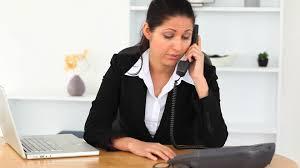 baise aux bureaux femme d affaires travailler bureau hd stock 345 622 628