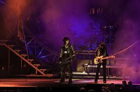 Motleys Pumpkin Patch by Motley Crue To End With New Year Blowout