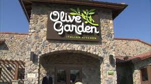 Olive Garden opens first Chicago location
