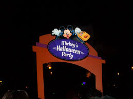Halloween Theme Park by Mouseplanet Celebrating Halloween At Disneyland By Megan Walker