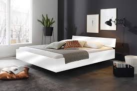 futonbett in weiß hochglanz
