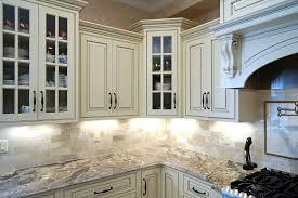 cours de cuisine evreux cuisine meuble cuisine bois massif fonctionnalies rustique style