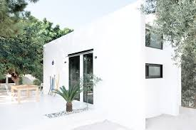 100 Minimalist Homes For Sale Tiny House Greece Monocabin Apartment Therapy