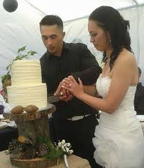 2 Tier Textured Buttercream Rustic Wedding Cake In Double Stacked 9 And 7 Inch 400 Caters
